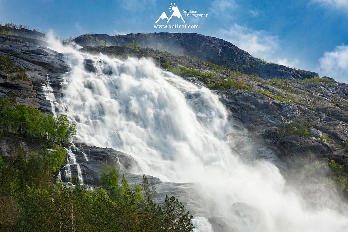 Wodospad Langfossen, fjord AKrafjord, www.katiraf.com Norwegia